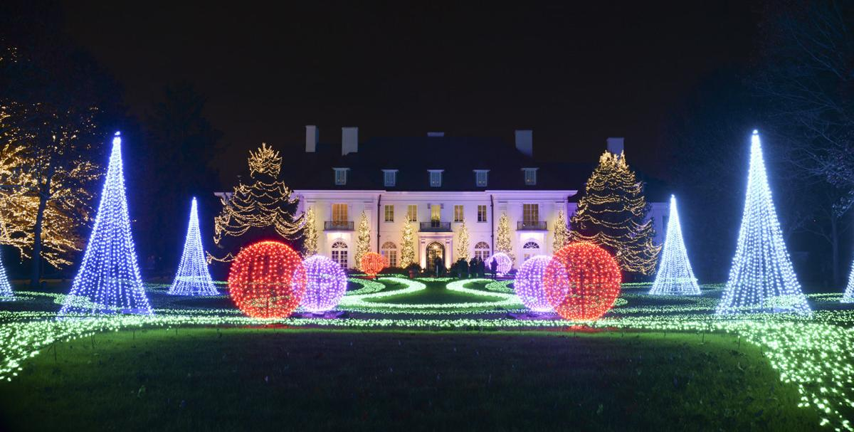christmas lights at the Indianapolis Museum of Art